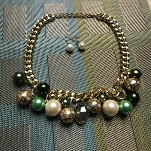Jewelry - Gold pearl and emerald necklace and earring set